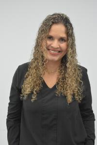 Claudia Graziella Lopes Fernandes Menegati